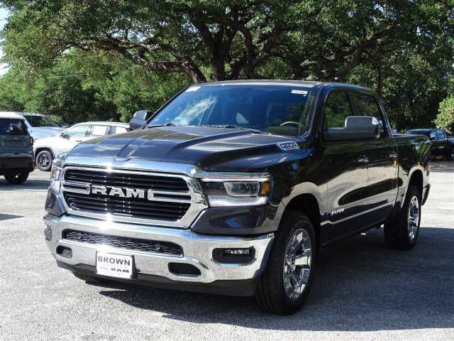 2019 Ram 1500 Crew Cab 4x2,  Pickup #D15945 - photo 4