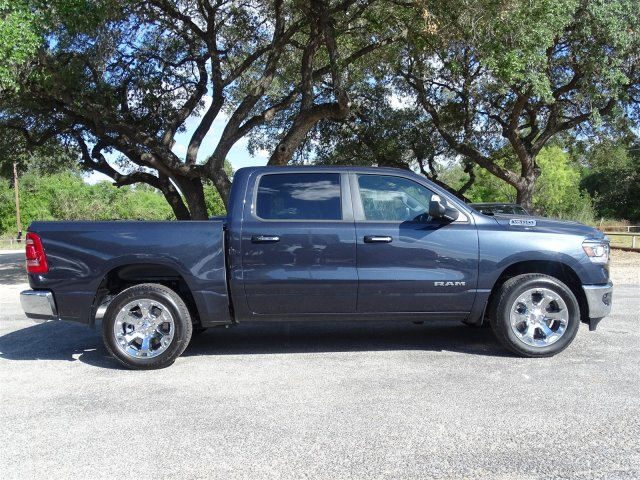 2019 Ram 1500 Crew Cab 4x2,  Pickup #D15945 - photo 3