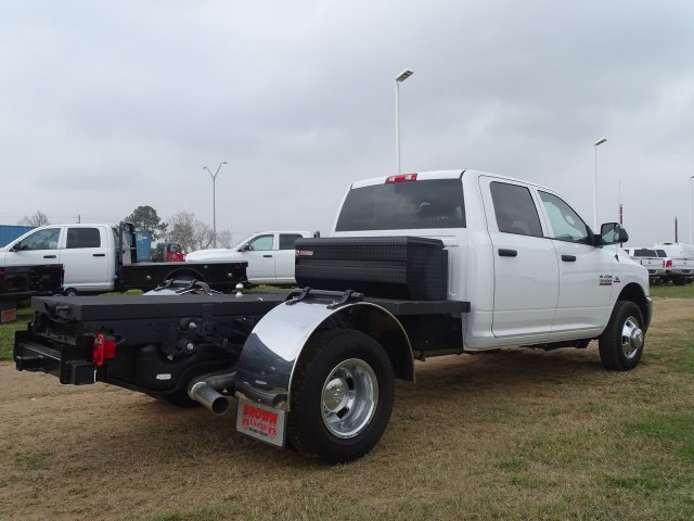 2018 Ram 3500 Crew Cab DRW 4x4,  Hauler Body #D15980 - photo 2