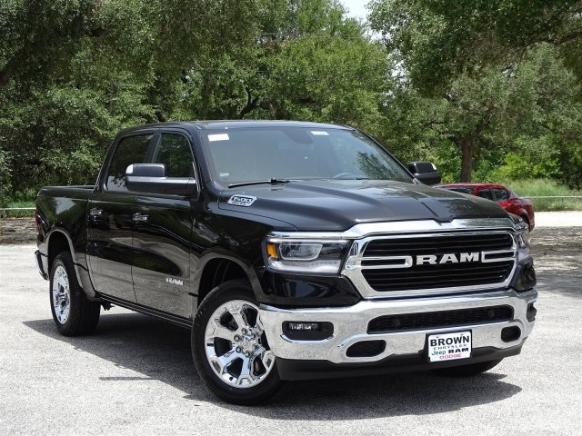 2019 Ram 1500 Crew Cab 4x2,  Pickup #D16041 - photo 5