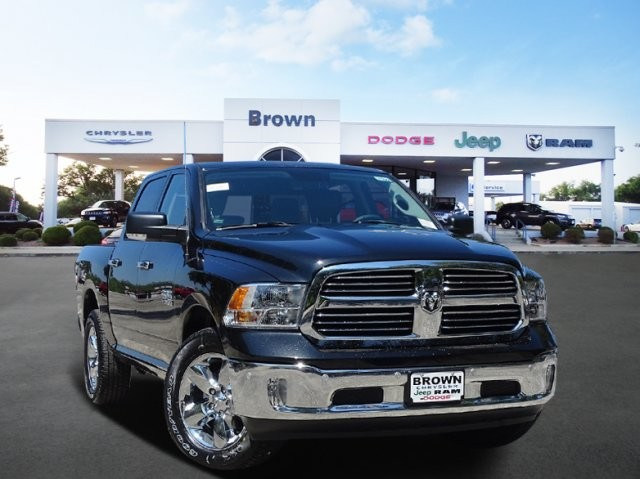 2018 Ram 1500 Crew Cab 4x2,  Pickup #D16068 - photo 1