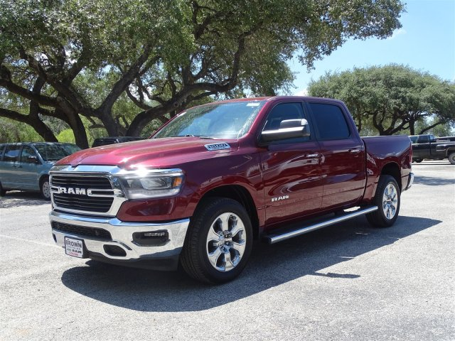 2019 Ram 1500 Crew Cab 4x2,  Pickup #D16088 - photo 3