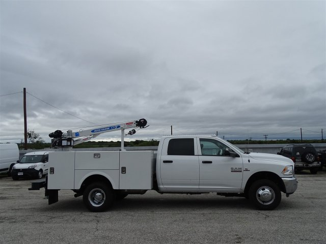 2018 Ram 3500 Crew Cab DRW 4x4,  Auto Crane Crane Body #D16182 - photo 3
