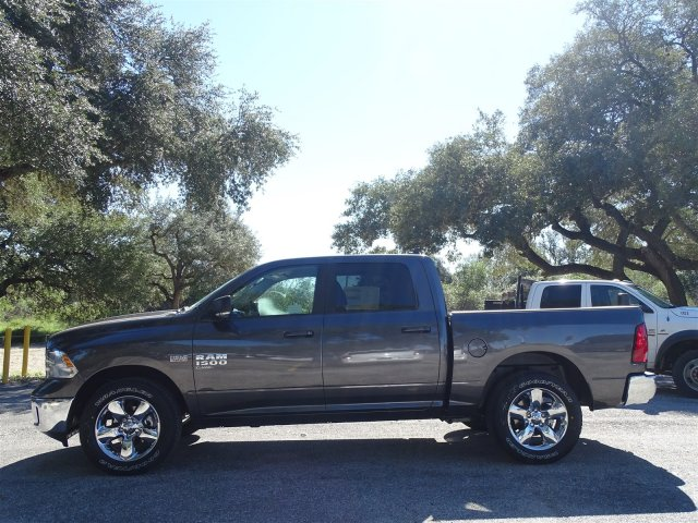 2019 Ram 1500 Crew Cab 4x2,  Pickup #D16283 - photo 5