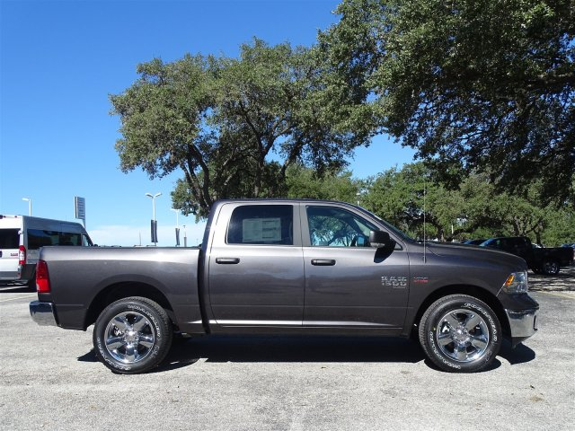 2019 Ram 1500 Crew Cab 4x2,  Pickup #D16283 - photo 9