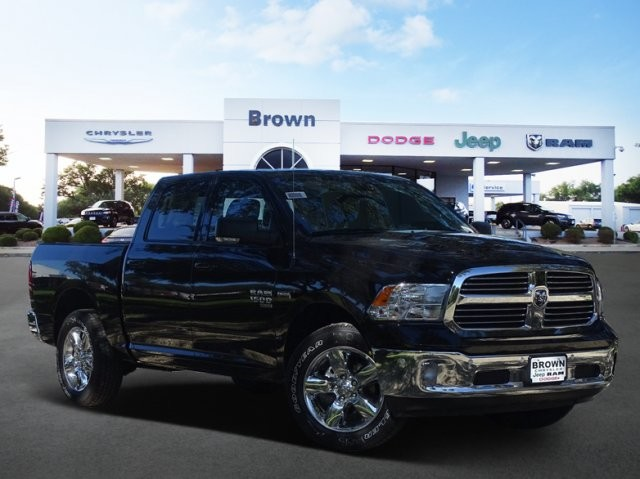 2019 Ram 1500 Crew Cab 4x2,  Pickup #D16291 - photo 1