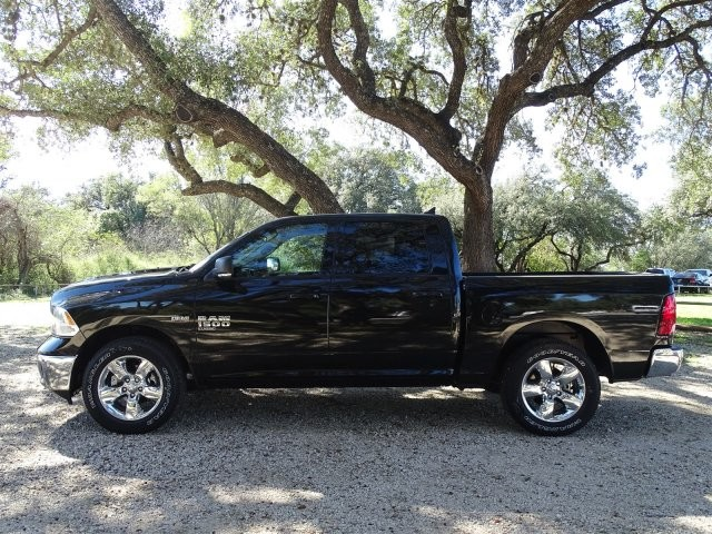 2019 Ram 1500 Crew Cab 4x2,  Pickup #D16291 - photo 6