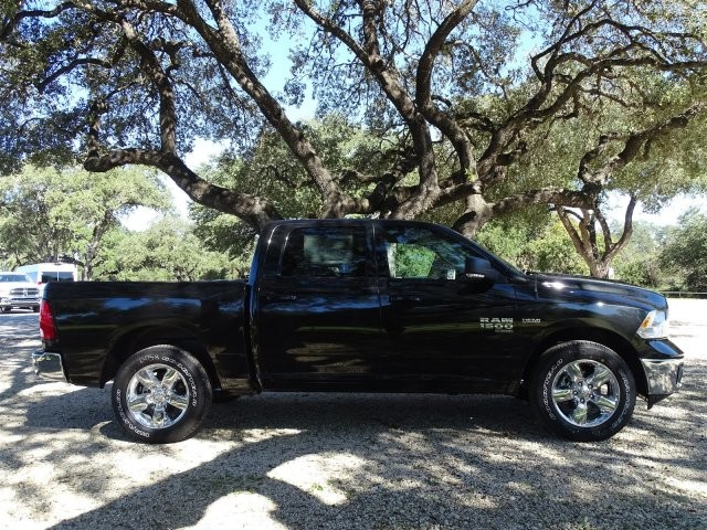 2019 Ram 1500 Crew Cab 4x2,  Pickup #D16291 - photo 9