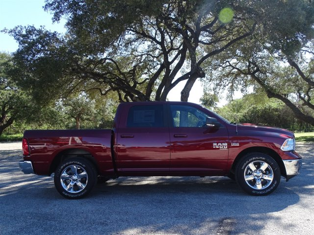 2019 Ram 1500 Crew Cab 4x2,  Pickup #D16301 - photo 9