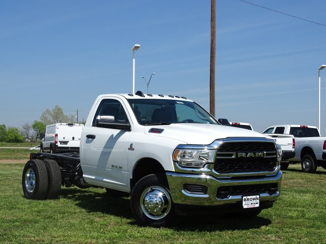 2019 Ram 3500 Regular Cab DRW 4x4,  Cab Chassis #D16633 - photo 5