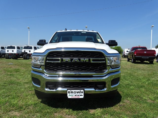 2019 Ram 3500 Regular Cab DRW 4x4,  Cab Chassis #D16633 - photo 4