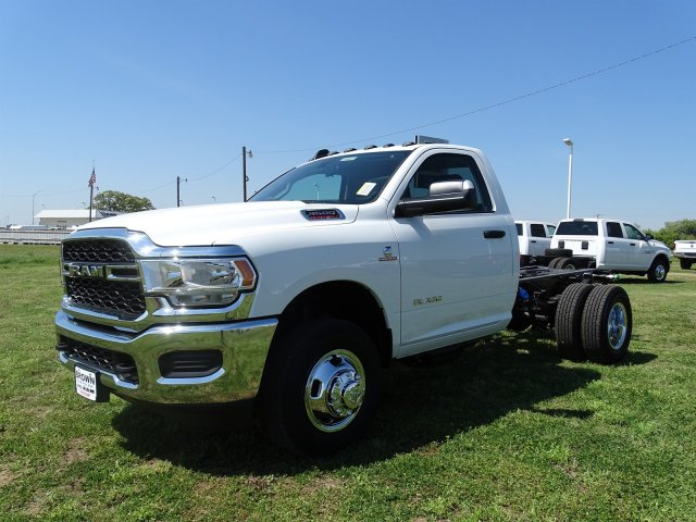 2019 Ram 3500 Regular Cab DRW 4x4,  Cab Chassis #D16633 - photo 6