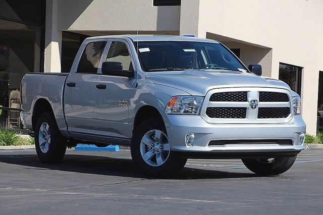 2017 Ram 1500 Crew Cab 4x4 Pickup #D7315 - photo 3