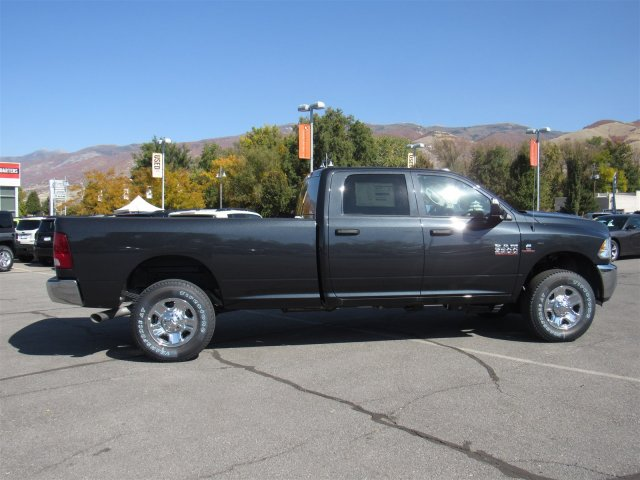 2017 Ram 3500 Crew Cab 4x4, Pickup #83091 - photo 3