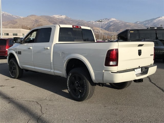 2017 Ram 3500 Crew Cab 4x4, Pickup #83173 - photo 4