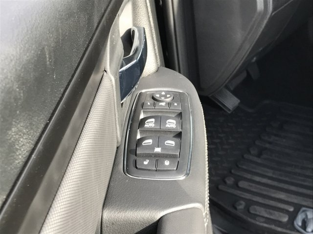2018 Ram 1500 Crew Cab 4x4 Pickup #92196 - photo 22