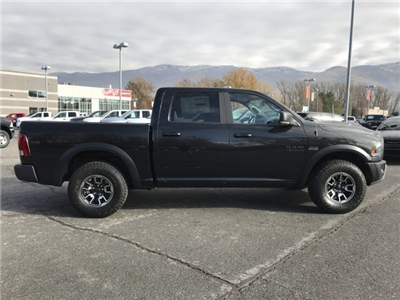 2018 Ram 1500 Crew Cab 4x4 Pickup #92196 - photo 4