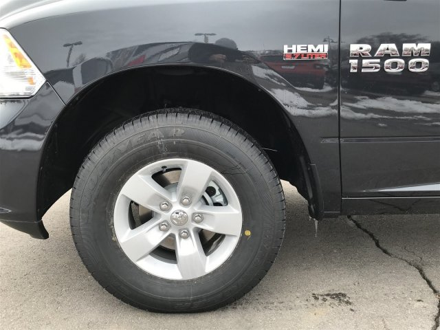 2018 Ram 1500 Crew Cab 4x4, Pickup #92364 - photo 7