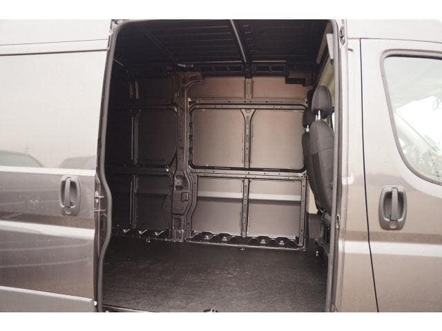 2017 ProMaster 2500 High Roof, Cargo Van #HE511068 - photo 9