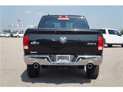 2018 Ram 1500 Crew Cab 4x4 Pickup #JS109350 - photo 2