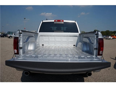 2018 Ram 1500 Crew Cab 4x4 Pickup #JS109359 - photo 20