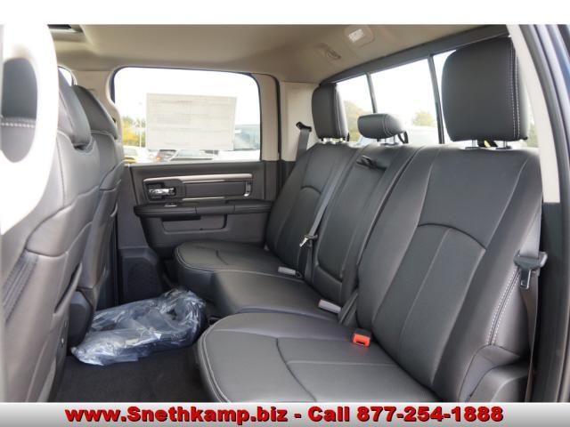 2018 Ram 1500 Crew Cab 4x4 Pickup #JS109363 - photo 5