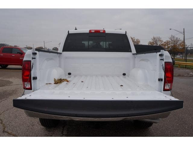 2018 Ram 1500 Crew Cab 4x4, Pickup #JS121694 - photo 17
