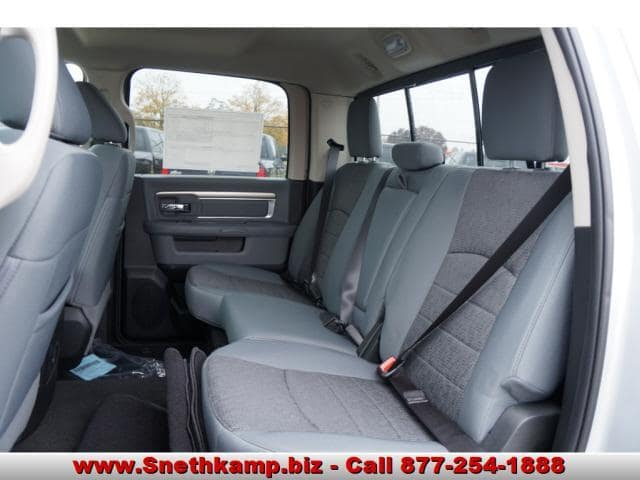 2018 Ram 1500 Crew Cab 4x4, Pickup #JS124596 - photo 5