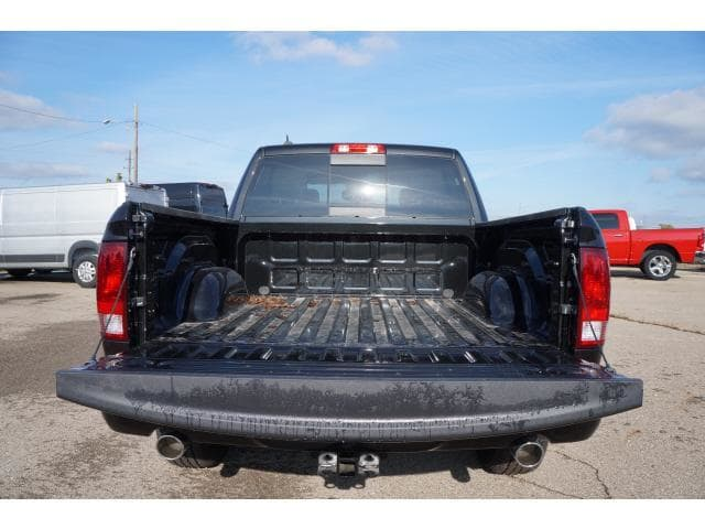 2018 Ram 1500 Crew Cab 4x4 Pickup #JS156056 - photo 15