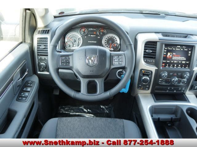 2018 Ram 1500 Crew Cab 4x4 Pickup #JS156056 - photo 4