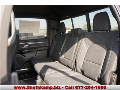 2019 Ram 1500 Crew Cab 4x4,  Pickup #KN516858 - photo 5