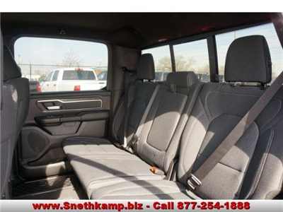 2019 Ram 1500 Crew Cab 4x4, Pickup #KN530153 - photo 5
