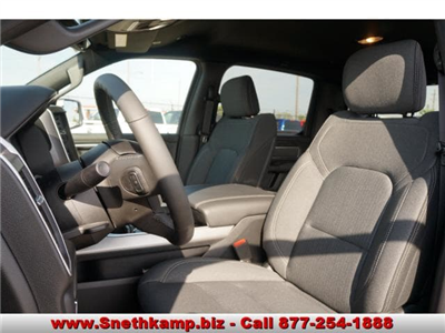 2019 Ram 1500 Crew Cab 4x4,  Pickup #KN554673 - photo 3