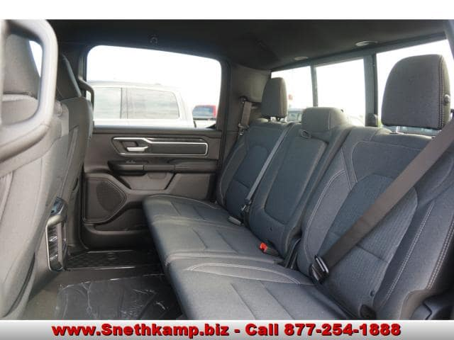 2019 Ram 1500 Crew Cab 4x4,  Pickup #KN556633 - photo 5