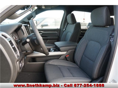 2019 Ram 1500 Crew Cab 4x4,  Pickup #KN556633 - photo 3