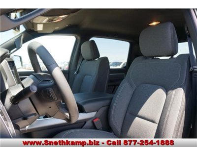 2019 Ram 1500 Crew Cab 4x4,  Pickup #KN556638 - photo 3