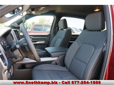 2019 Ram 1500 Crew Cab 4x4,  Pickup #KN556804 - photo 3