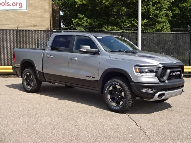 2019 Ram 1500 Crew Cab 4x4,  Pickup #KN582853 - photo 3