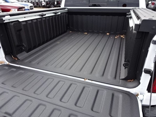 2019 Ram 1500 Crew Cab 4x4,  Pickup #KN603510 - photo 19