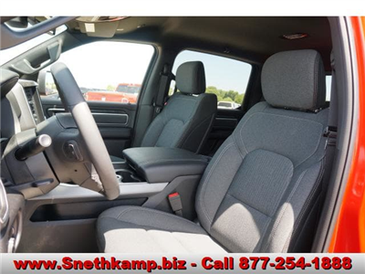 2019 Ram 1500 Crew Cab 4x4,  Pickup #KN603526 - photo 3