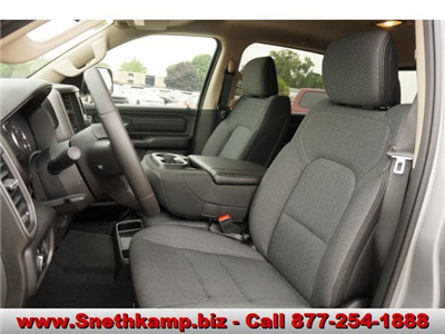 2019 Ram 1500 Crew Cab 4x4,  Pickup #KN603554 - photo 3