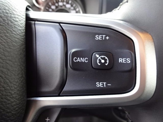 2019 Ram 1500 Crew Cab 4x4,  Pickup #KN647470 - photo 13