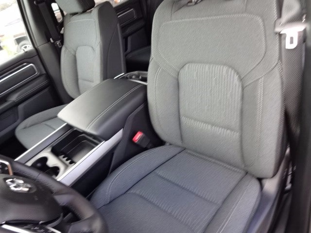 2019 Ram 1500 Crew Cab 4x4,  Pickup #KN647470 - photo 31