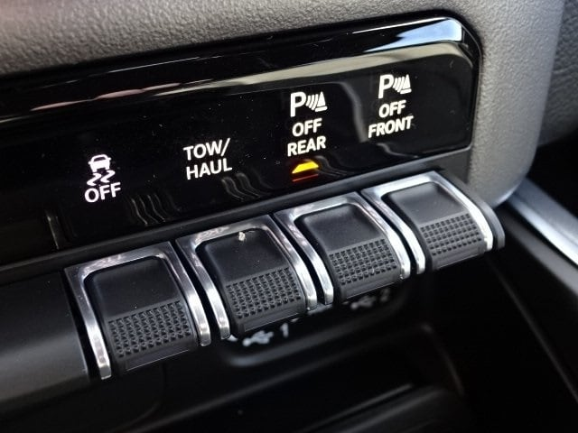 2019 Ram 1500 Crew Cab 4x4,  Pickup #KN739589 - photo 26