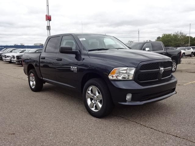 2019 Ram 1500 Crew Cab 4x4,  Pickup #KS537447 - photo 3