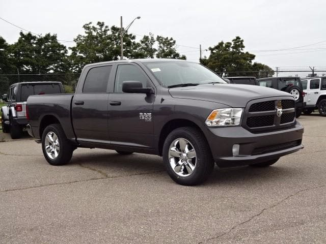 2019 Ram 1500 Crew Cab 4x4,  Pickup #KS537457 - photo 3