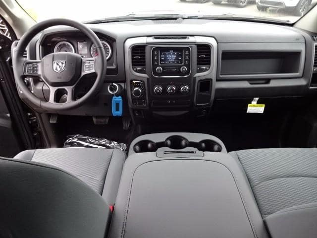 2019 Ram 1500 Crew Cab 4x4,  Pickup #KS537457 - photo 28