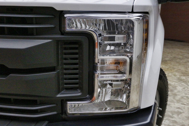 2018 F-350 Regular Cab DRW 4x2,  Knapheide Standard Service Body #80518 - photo 5