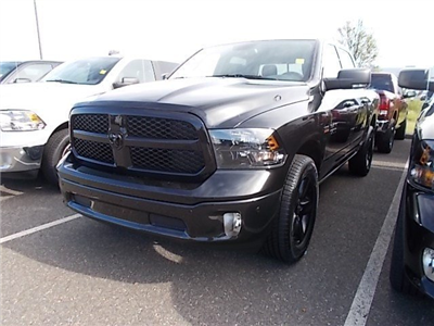 2018 Ram 1500 Crew Cab 4x4, Pickup #CJ033 - photo 2