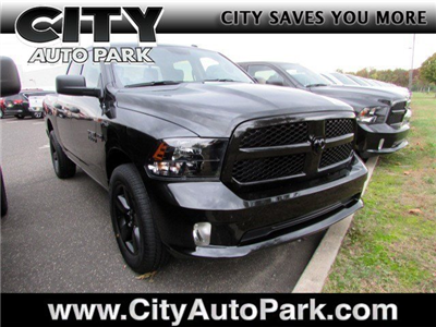 2018 Ram 1500 Crew Cab 4x4, Pickup #CJ060 - photo 1